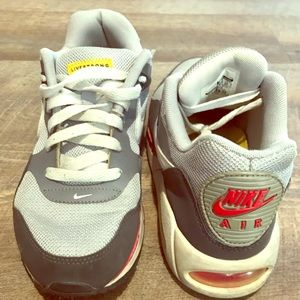 NIKE Air Livestrong sneakers (female), grey & red